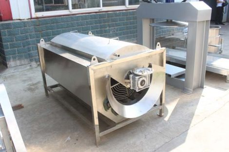 cleaning and peeling machine